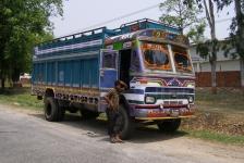 indian_trucks_02