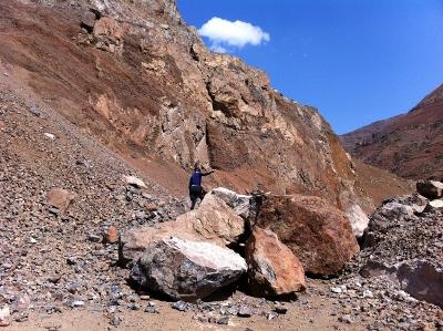Rockfall on way to Zhaotong